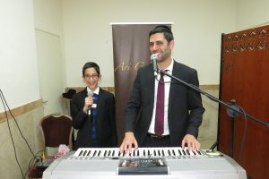 Ari Goldwag and his son Moshe Dov - Entertainment - Melaveh Malkah 2017
